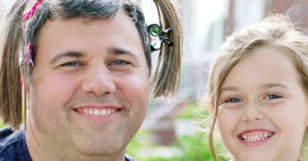 This Dad Lets His Daughter Style His Hair For 3 Simply Perfect Reasons
